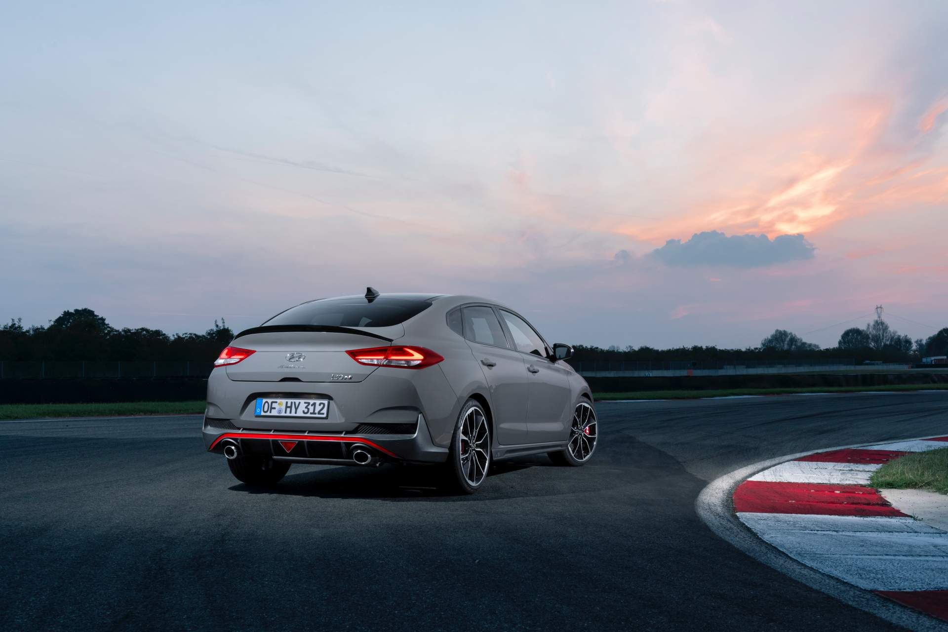 hyundai i30 fastback n debuts as unique hot hatch body. Black Bedroom Furniture Sets. Home Design Ideas