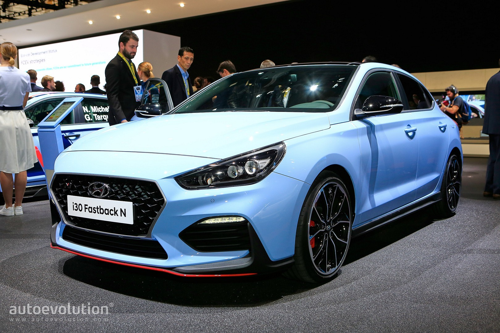 hyundai i30 fastback n looks like the car nobody else has. Black Bedroom Furniture Sets. Home Design Ideas