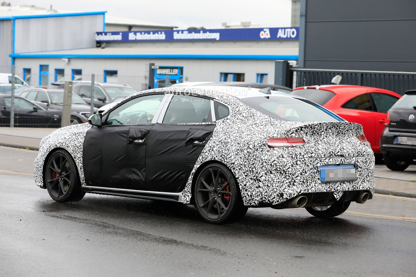 2020 - [Hyundai] I30 III 5p/SW/Fastback Facelift Hyundai-i30-n-facelift-spied-less-disguised-is-out-for-gti-blood_10