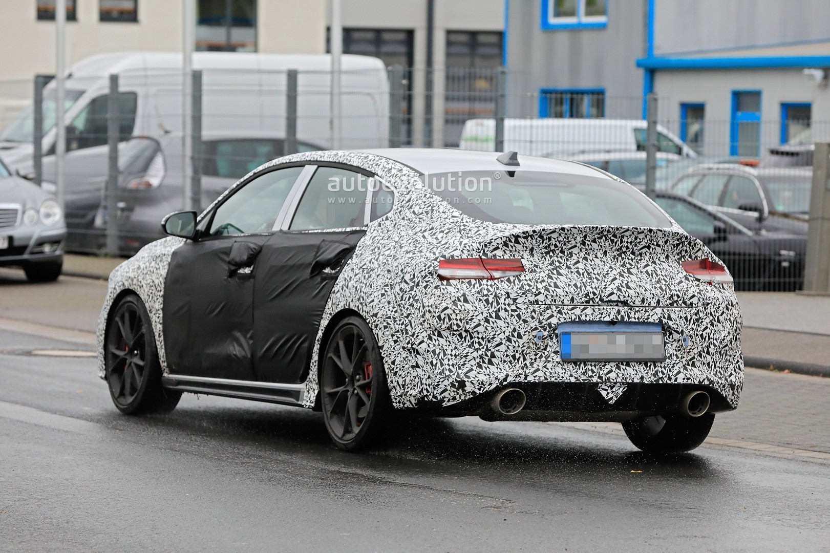 2020 - [Hyundai] I30 III 5p/SW/Fastback Facelift Hyundai-i30-n-facelift-spied-less-disguised-is-out-for-gti-blood_11