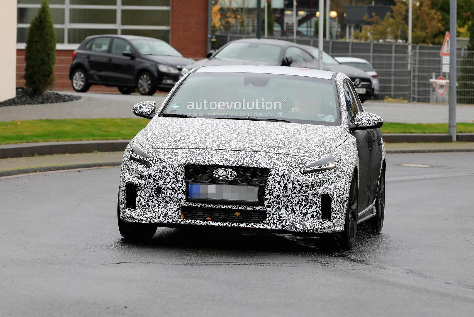 2020 - [Hyundai] I30 III 5p/SW/Fastback Facelift Hyundai-i30-n-facelift-spied-less-disguised-is-out-for-gti-blood_6