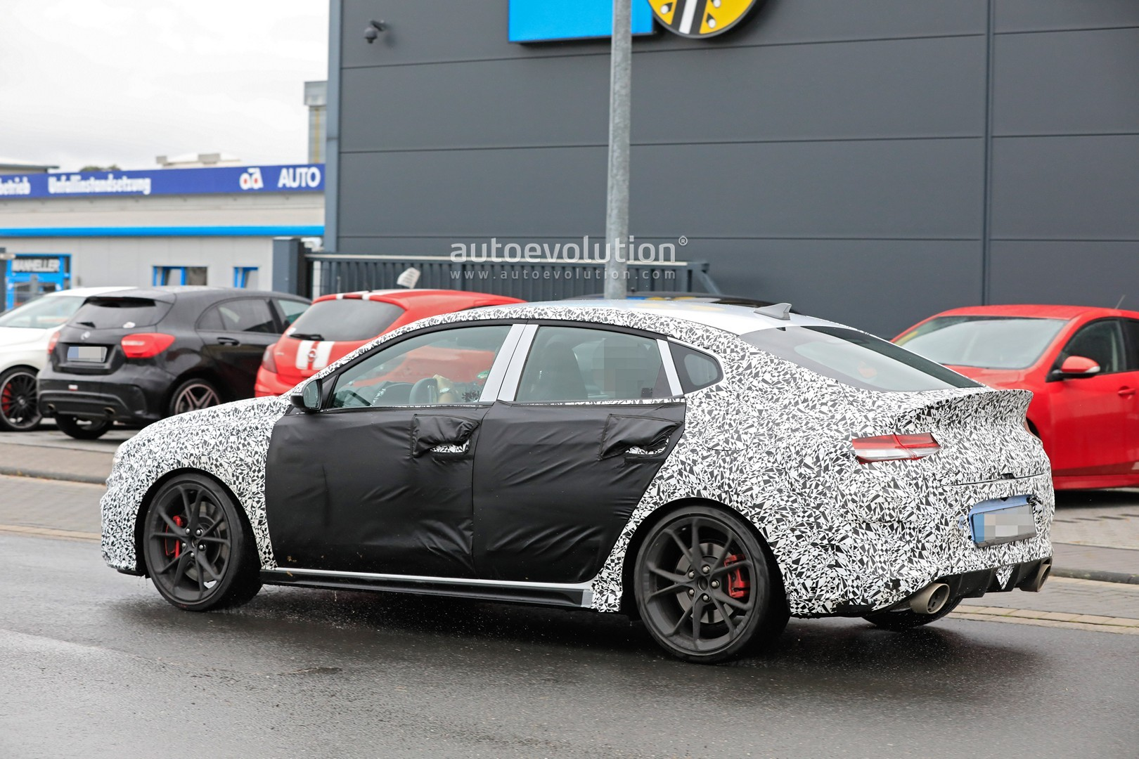 2020 - [Hyundai] I30 III 5p/SW/Fastback Facelift Hyundai-i30-n-facelift-spied-less-disguised-is-out-for-gti-blood_9