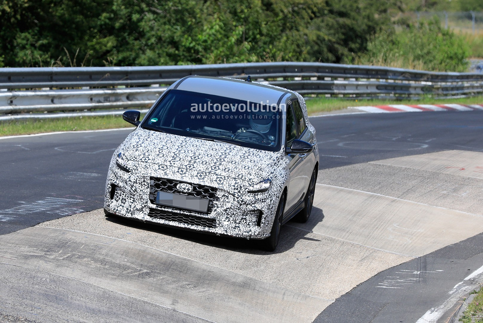 2020 - [Hyundai] I30 III 5p/SW/Fastback Facelift - Page 3 Hyundai-i30-n-facelift-spied-preparing-for-2021-fight-with-golf-gti_10