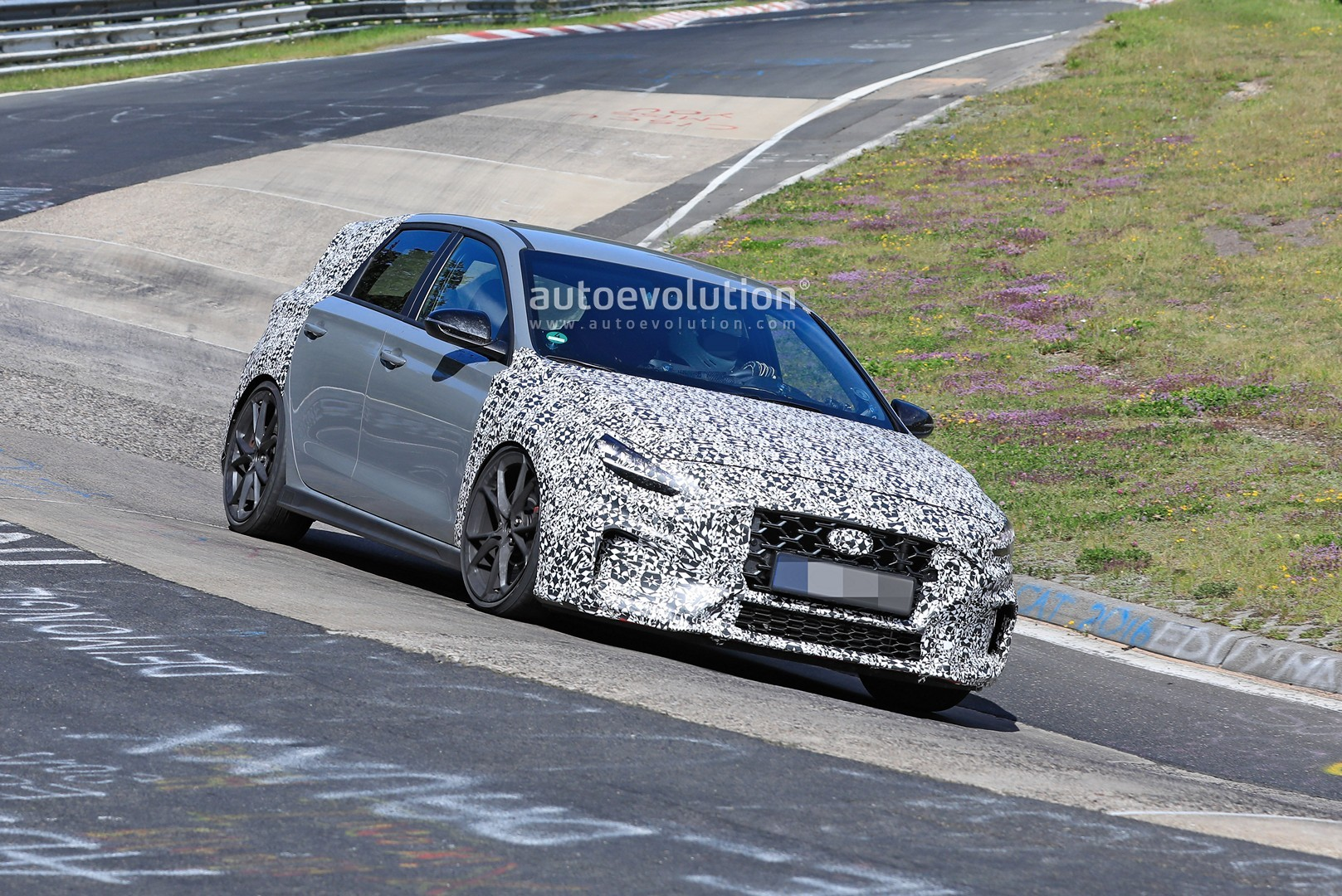 2020 - [Hyundai] I30 III 5p/SW/Fastback Facelift - Page 3 Hyundai-i30-n-facelift-spied-preparing-for-2021-fight-with-golf-gti_12