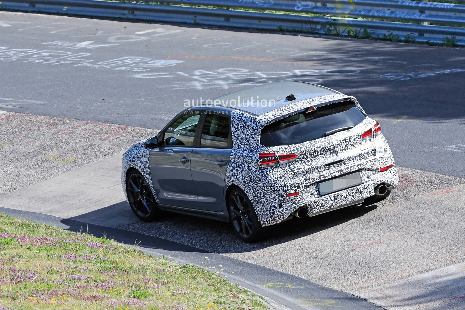 2020 - [Hyundai] I30 III 5p/SW/Fastback Facelift - Page 3 Hyundai-i30-n-facelift-spied-preparing-for-2021-fight-with-golf-gti_16