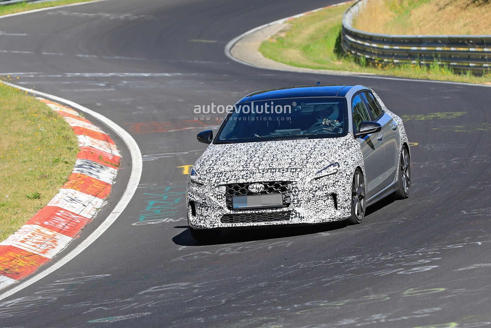 2020 - [Hyundai] I30 III 5p/SW/Fastback Facelift - Page 3 Hyundai-i30-n-facelift-spied-preparing-for-2021-fight-with-golf-gti_2