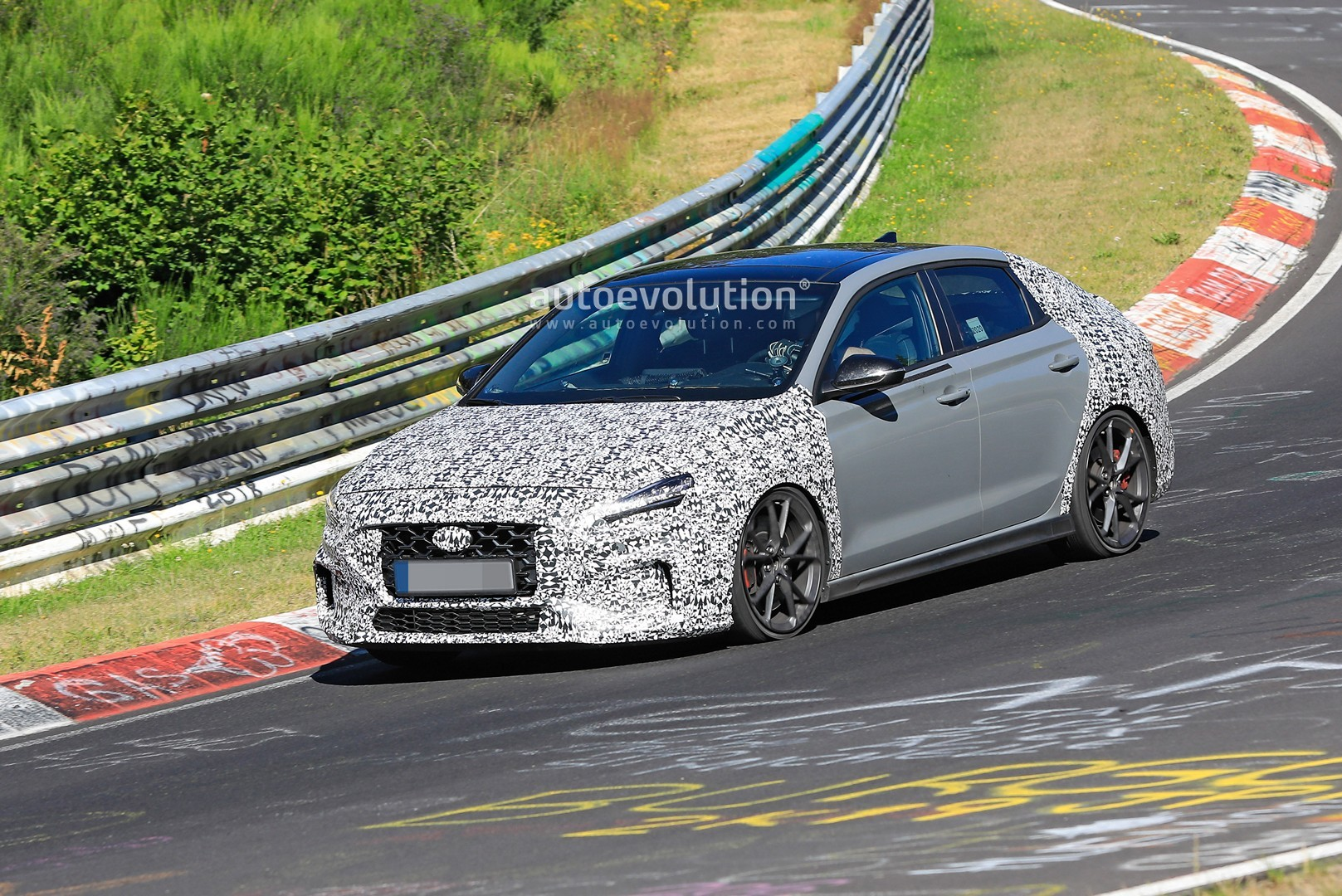 2020 - [Hyundai] I30 III 5p/SW/Fastback Facelift - Page 3 Hyundai-i30-n-facelift-spied-preparing-for-2021-fight-with-golf-gti_3