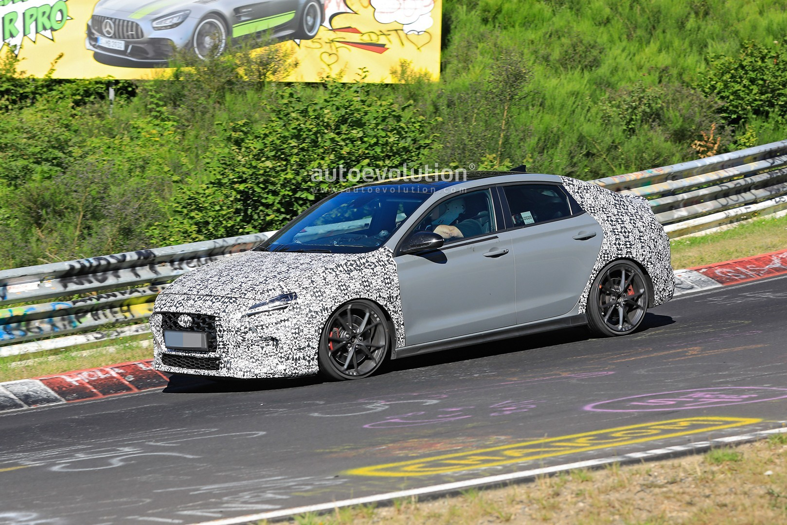 2020 - [Hyundai] I30 III 5p/SW/Fastback Facelift - Page 3 Hyundai-i30-n-facelift-spied-preparing-for-2021-fight-with-golf-gti_4