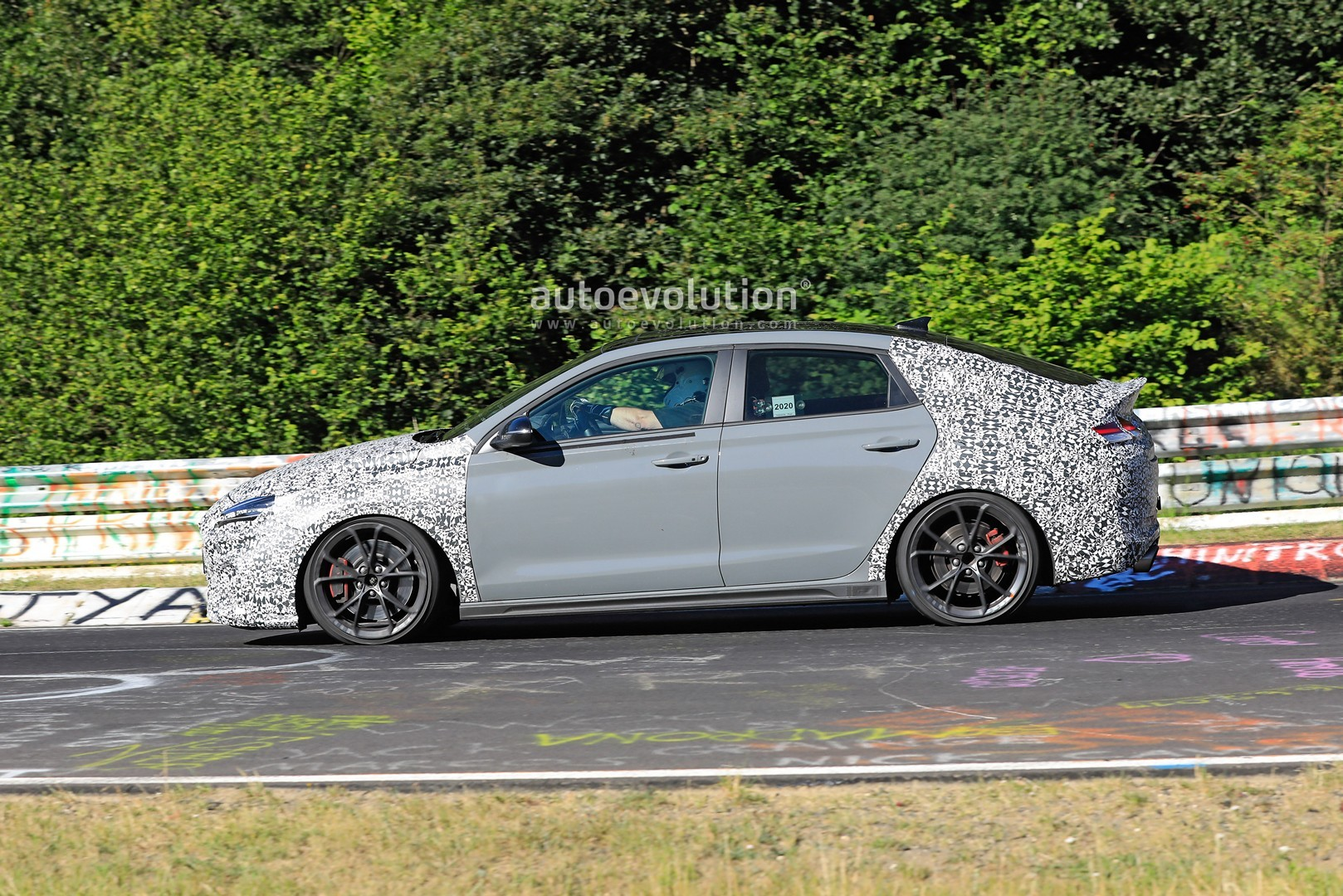 2020 - [Hyundai] I30 III 5p/SW/Fastback Facelift - Page 3 Hyundai-i30-n-facelift-spied-preparing-for-2021-fight-with-golf-gti_5