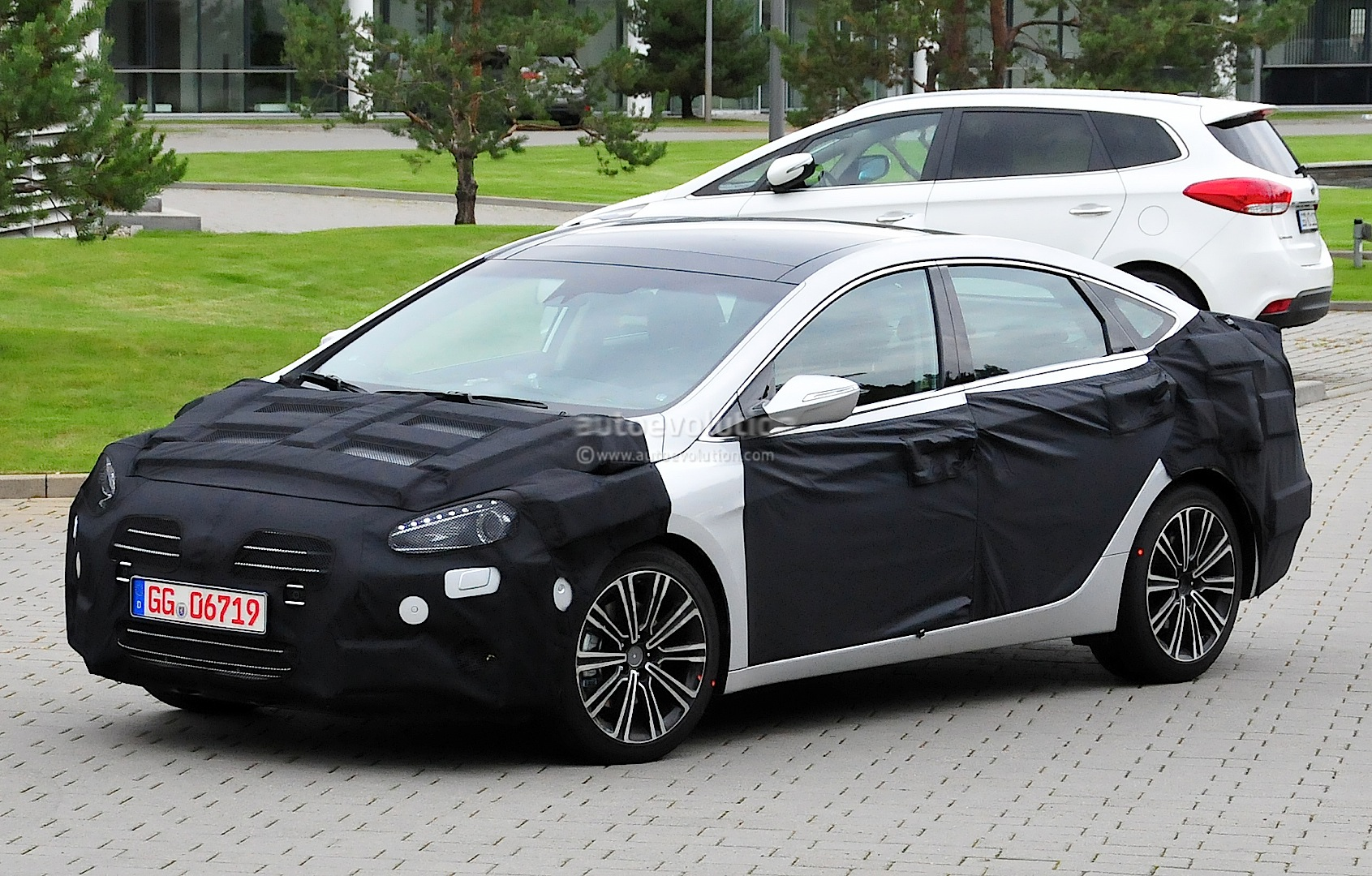 hyundai i40 facelift looks snazzy autoevolution. Black Bedroom Furniture Sets. Home Design Ideas