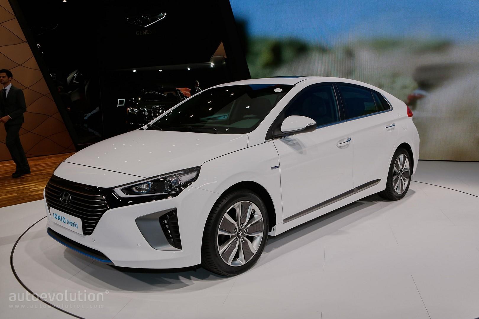 Hyundai Ioniq Hybrid Plug In And Electric Debut In Geneva