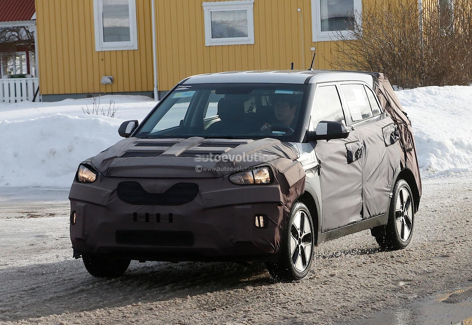 Hyundai Ix25 Interior Revealed By Latest Spyshots Autoevolution