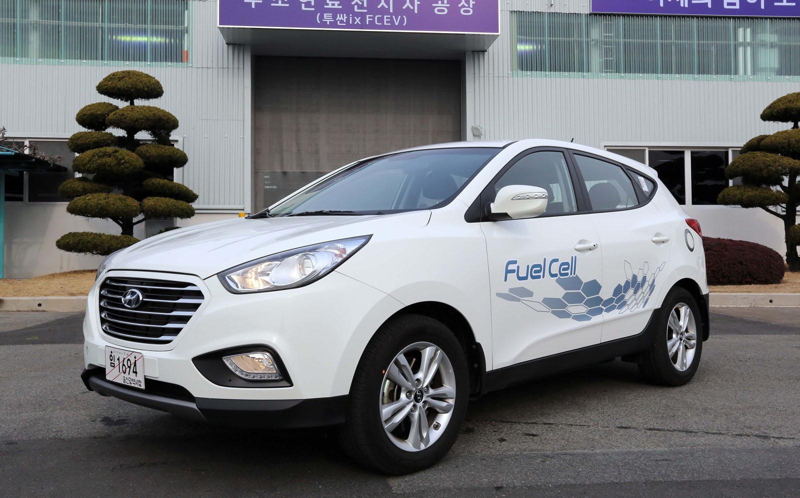 hyundai ix35 fuel cell vehicle enters production autoevolution. Black Bedroom Furniture Sets. Home Design Ideas