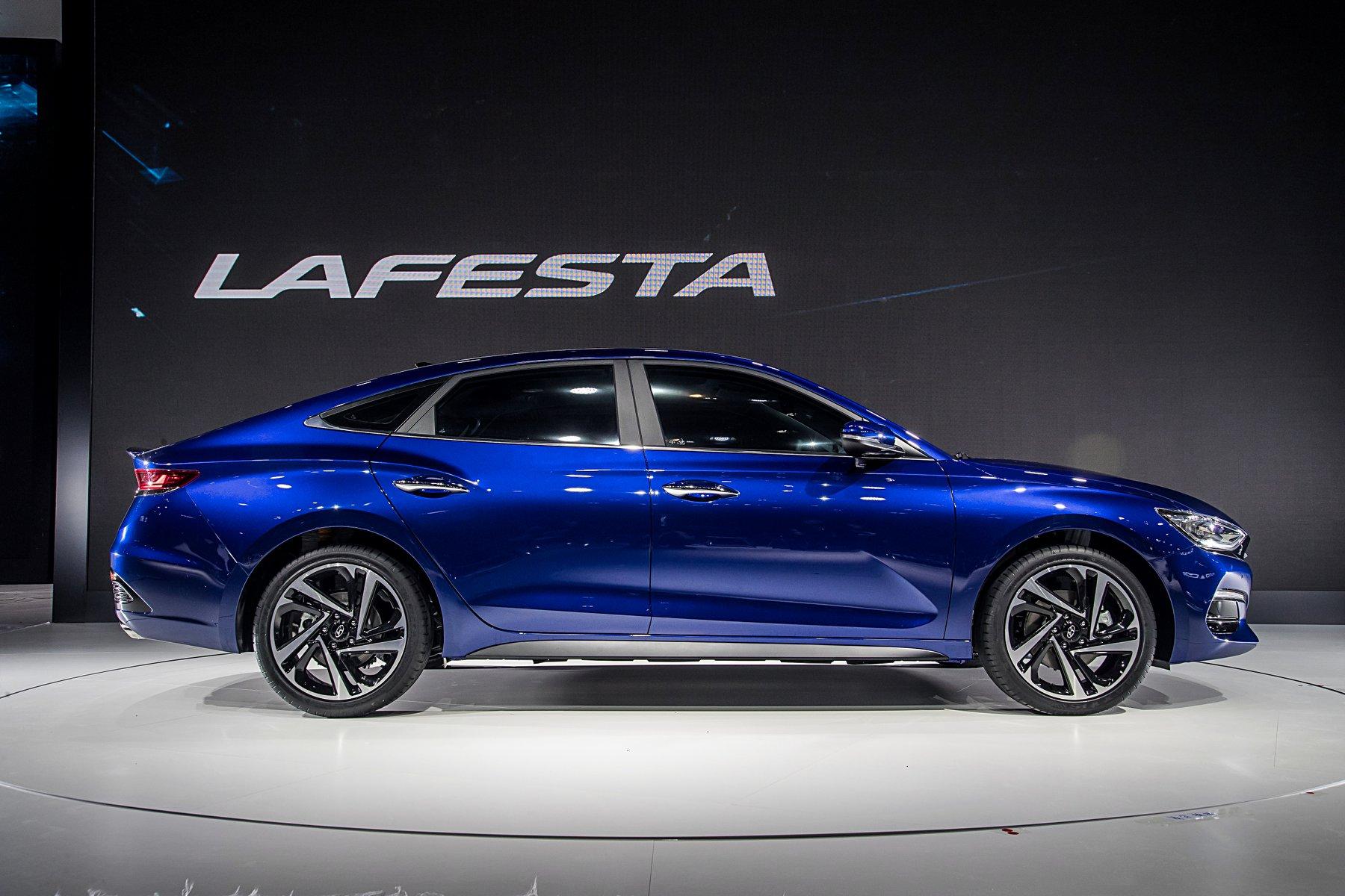 Hyundai Lafesta Debuts In China Audi A7 Meets The Mustang