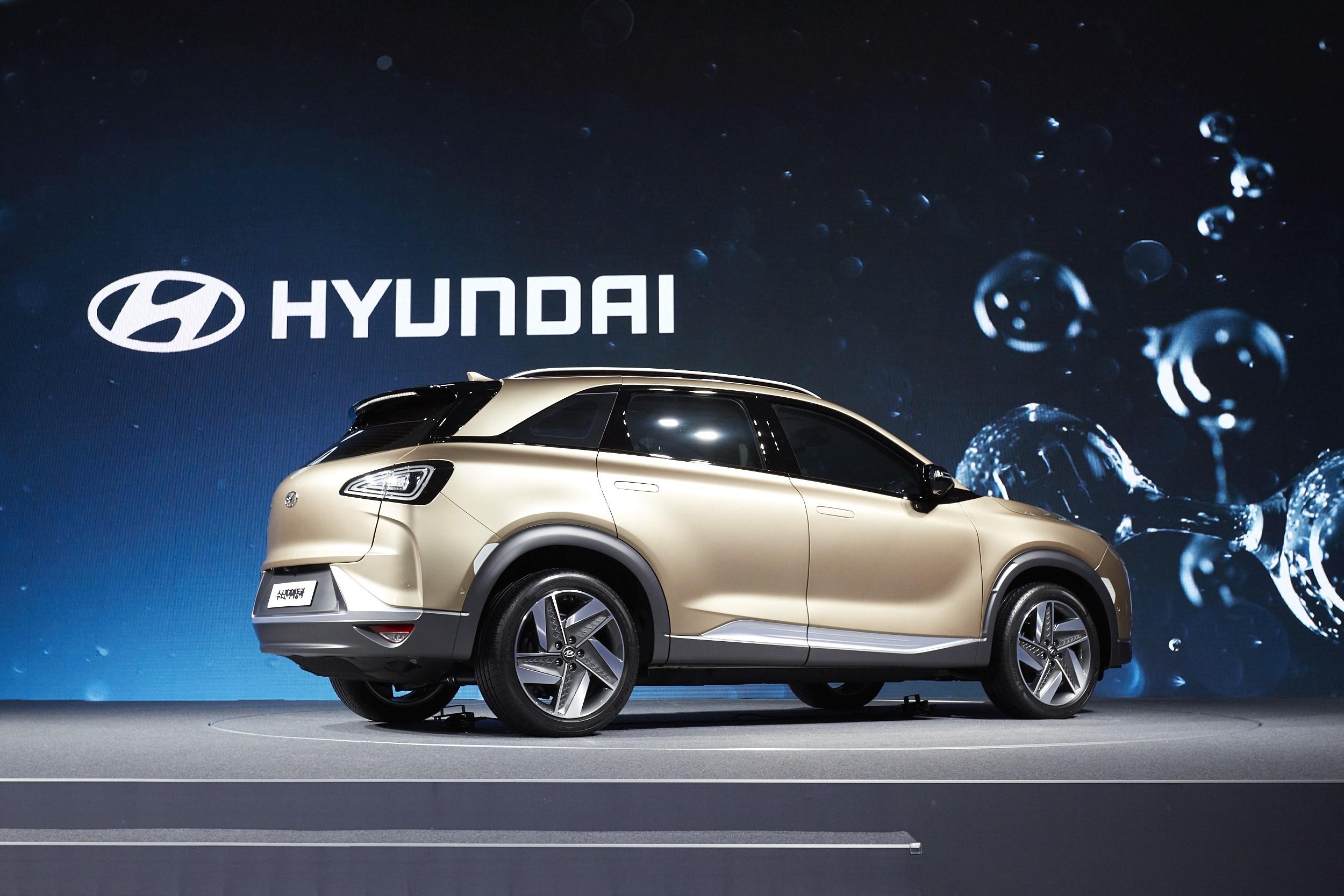 Hyundai Next Generation FCEV Previews Fuel Cell SUV ...
