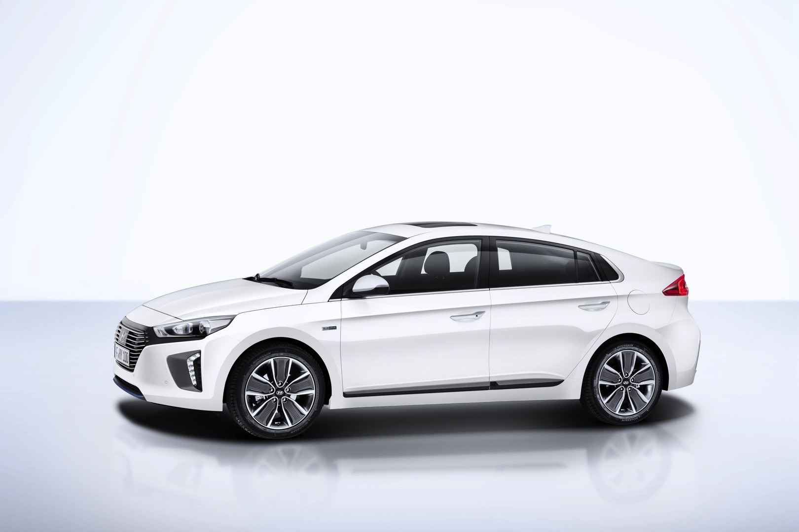 Hyundai HyperEconiq Ioniq Concept paints a different picture of SEMA