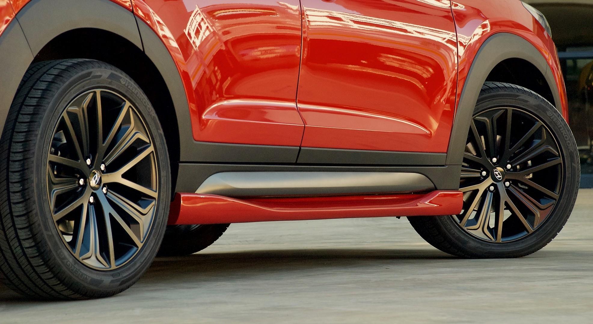 Hyundai Tucson Sport Has Body Kit Quad Pipes And 204 Hp 1