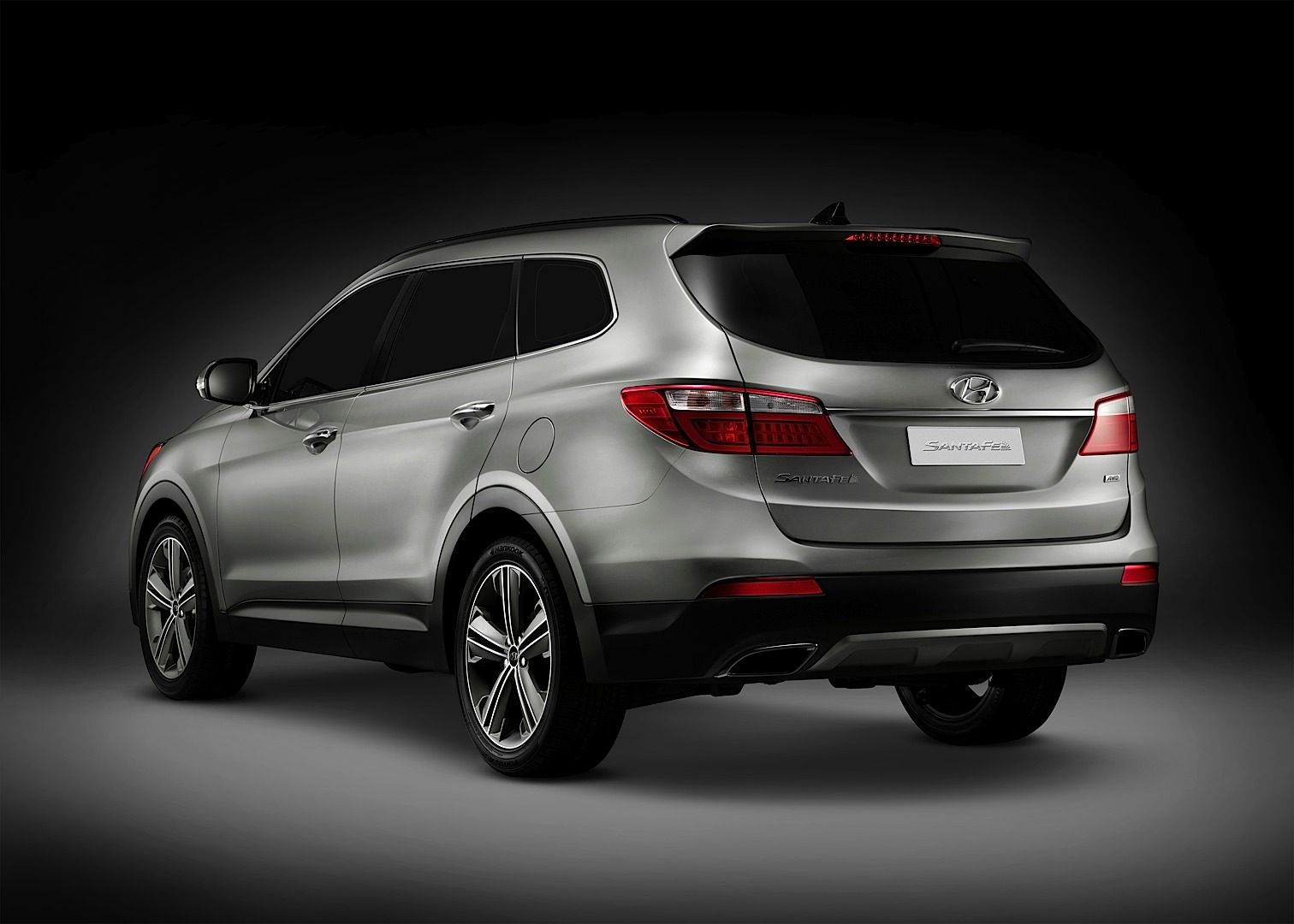 Hyundai Unveils LWB 2013 Hyundai Santa Fe: Photos and ...