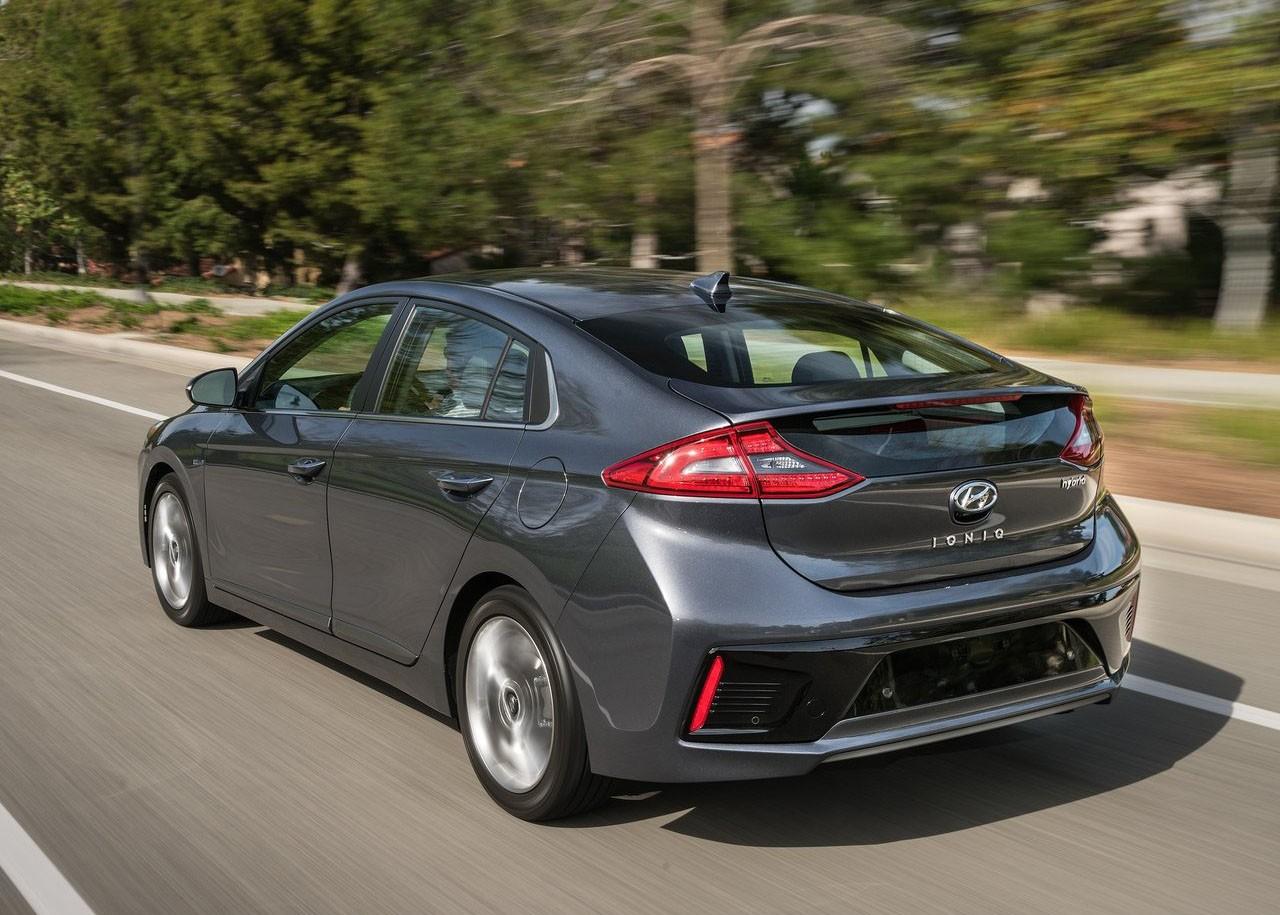 Hyundai Rm16 >> Hyundai Wants to Join the 200-Mile Club with 2019 Ioniq Electric Sedan - autoevolution
