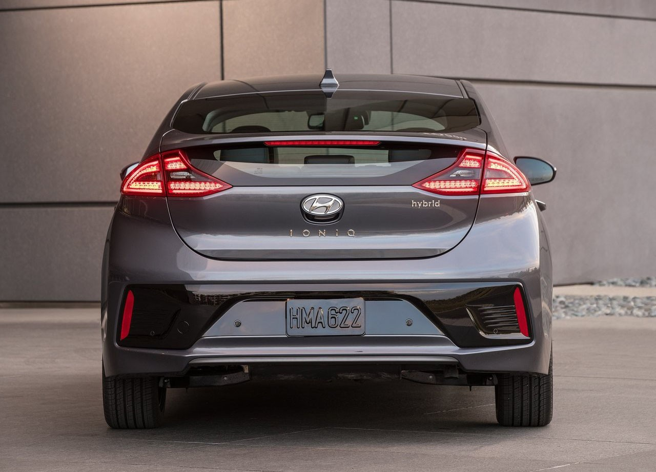 Hyundai Rm16 >> Hyundai Wants to Join the 200-Mile Club with 2019 Ioniq Electric Sedan - autoevolution