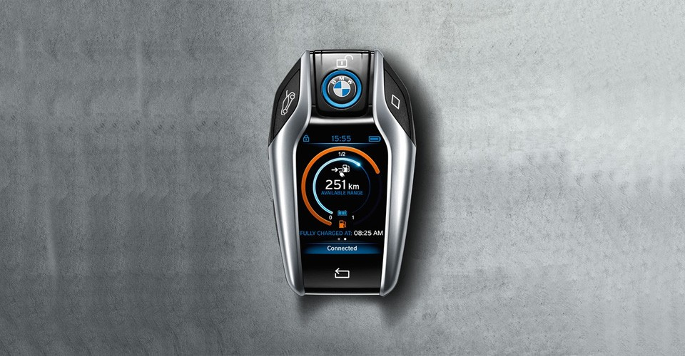 "Bmw Key Evolution >> i8 Key Fob with 2.2"" Display Brought Out by BMW at 2015 CES - autoevolution"