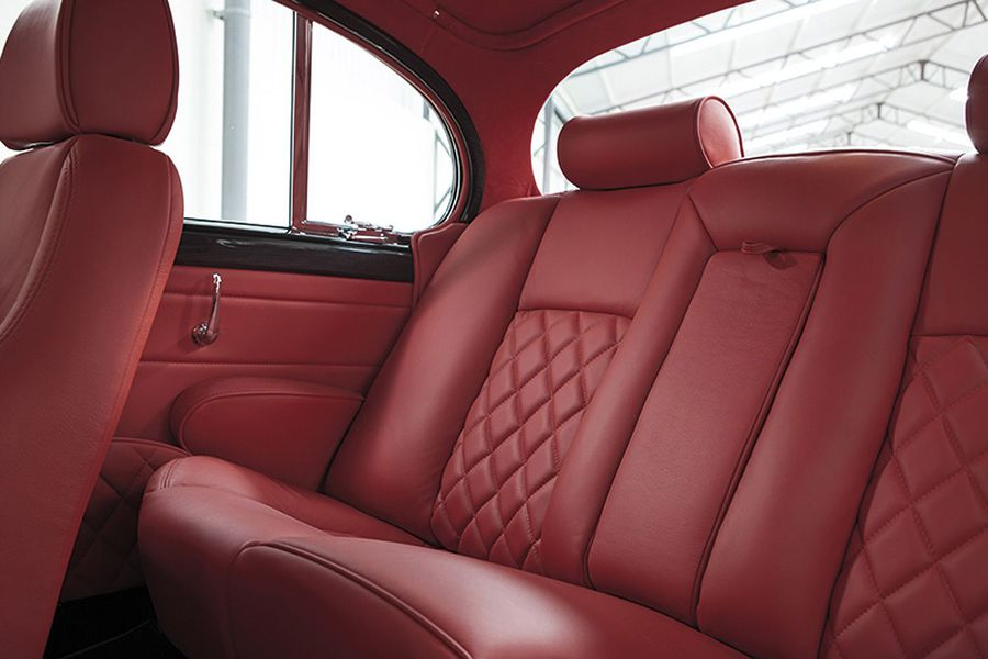 [Actualité] Groupe Tata (Jaguar, Land Rover) - Page 4 Ian-callum-creates-one-off-modernized-jaguar-mk2-photo-gallery_2