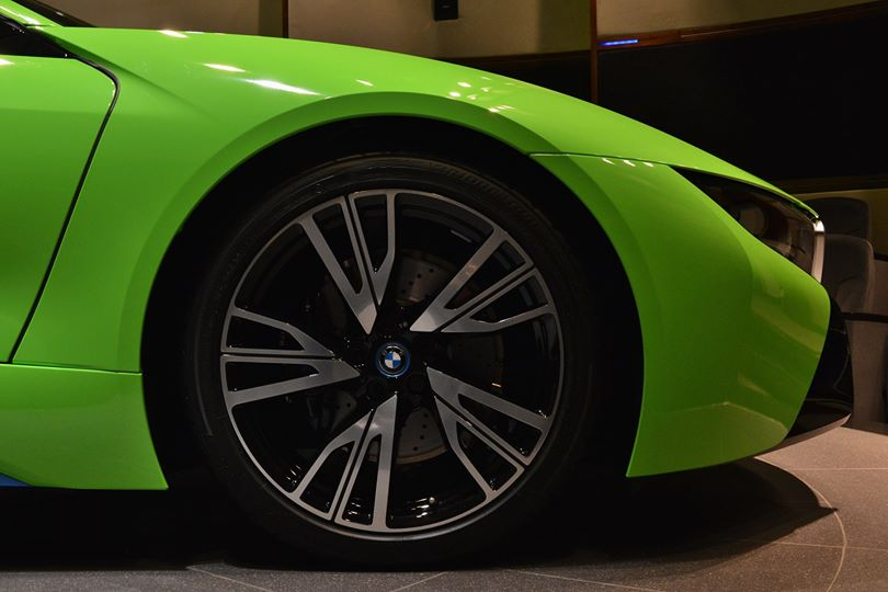 Individual Bmw I8 Shows Up Dressed In Lime Green In Abu Dhabi S