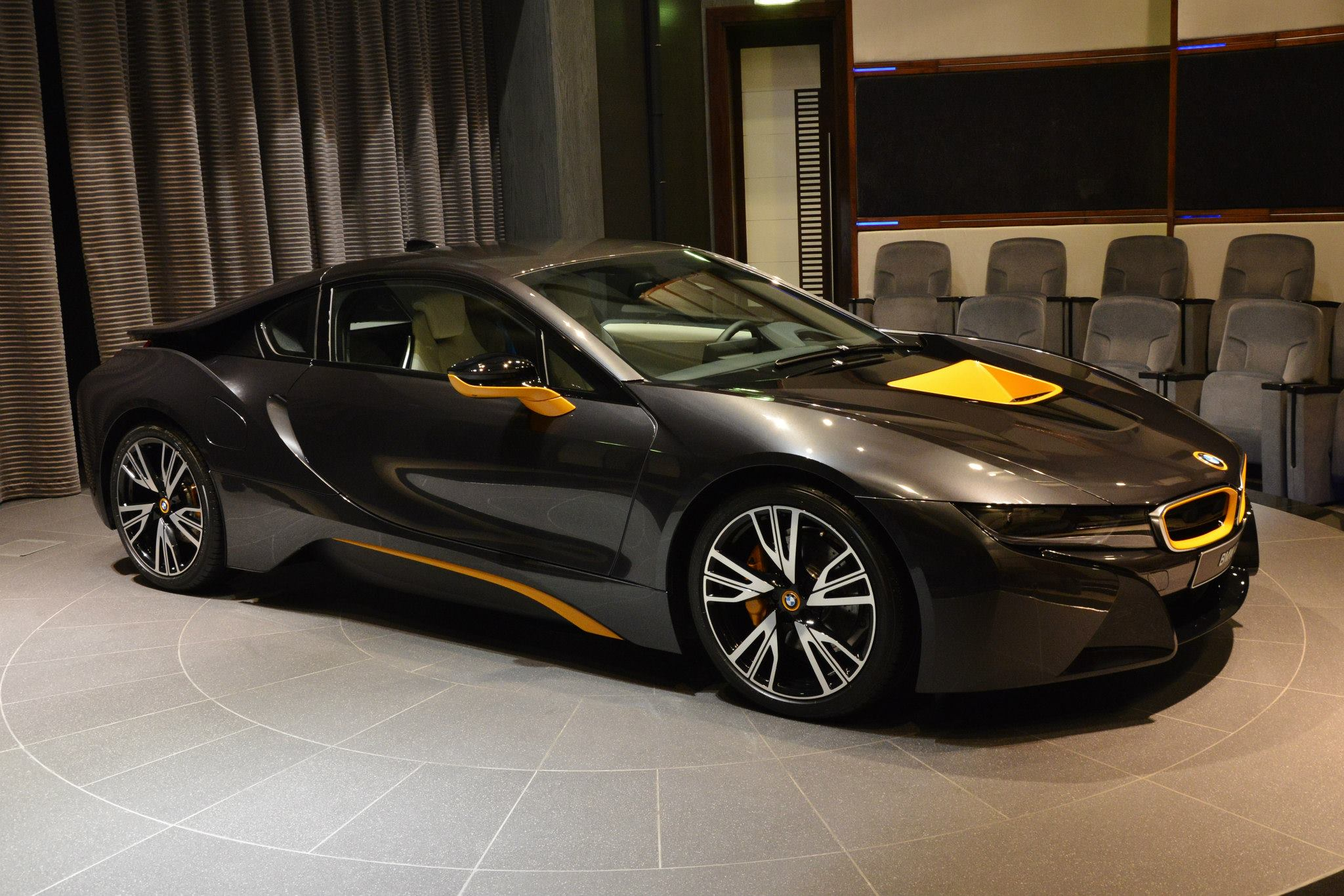 Individual bmw i8 with yellow highlights shows up in abu dhabi photo gallery autoevolution