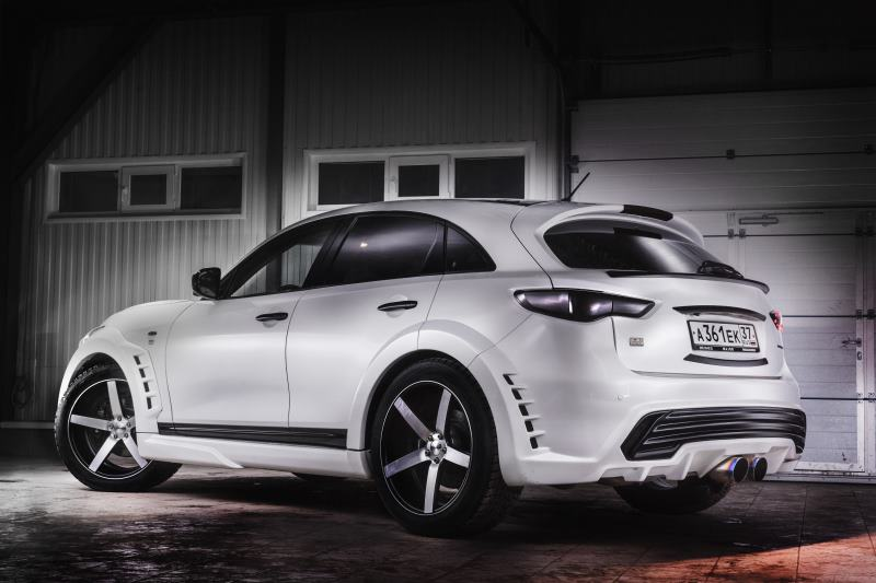 Infiniti FX Renegade, a Cool SUV that Drives Russian Girls ...