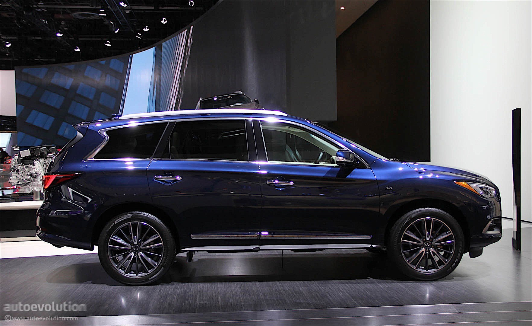 Infiniti QX60 Shows Restyled Exterior in Detroit ...