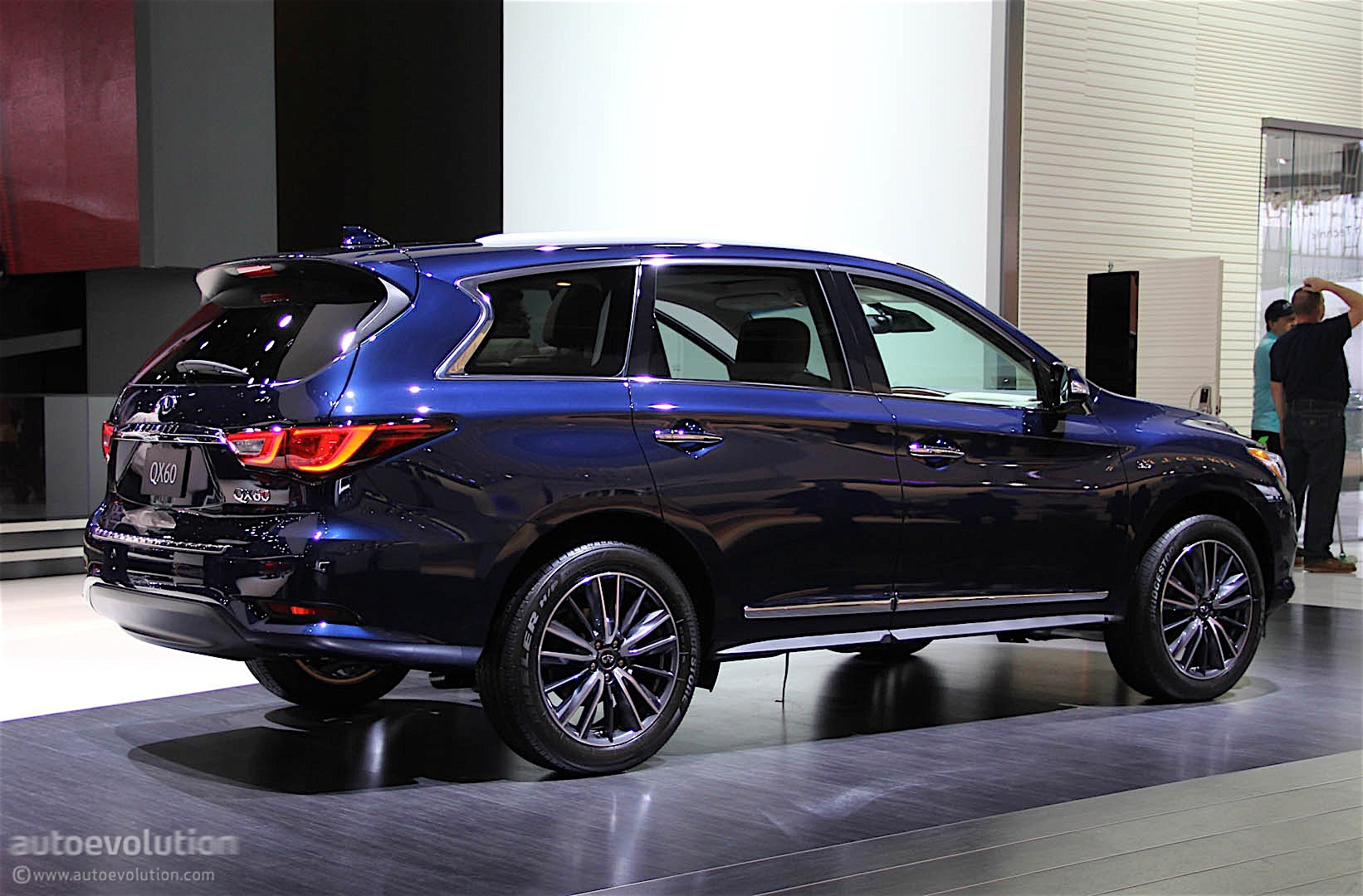 infiniti qx60 shows restyled exterior in detroit autoevolution. Black Bedroom Furniture Sets. Home Design Ideas