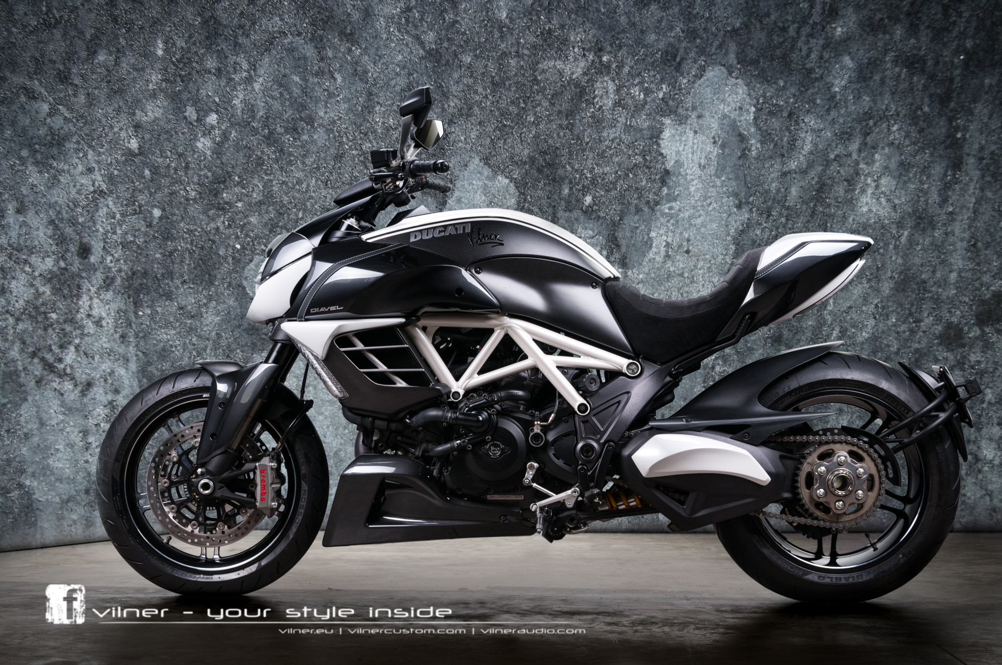 Insane One-Off Ducati Diavel AMG by Vilner - autoevolution