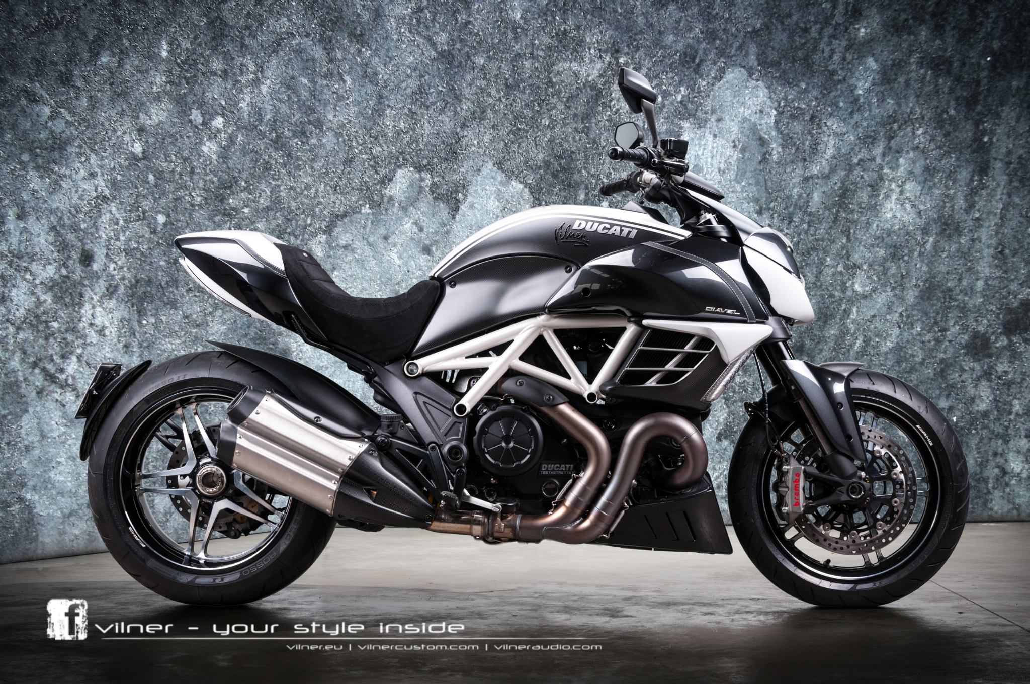 Insane One Off Ducati Diavel Amg By Vilner Photo Gallery