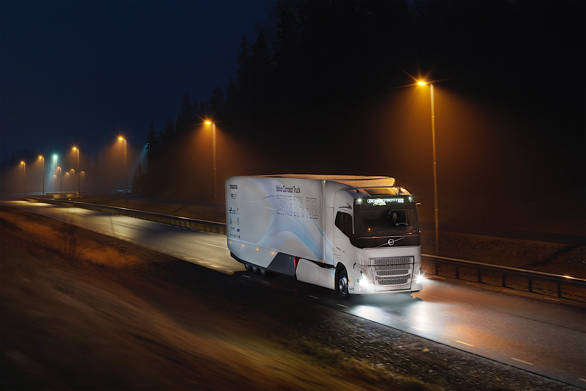 Volvo Trucks Unveils Hybrid Powertrain For Heavy-Duty ...