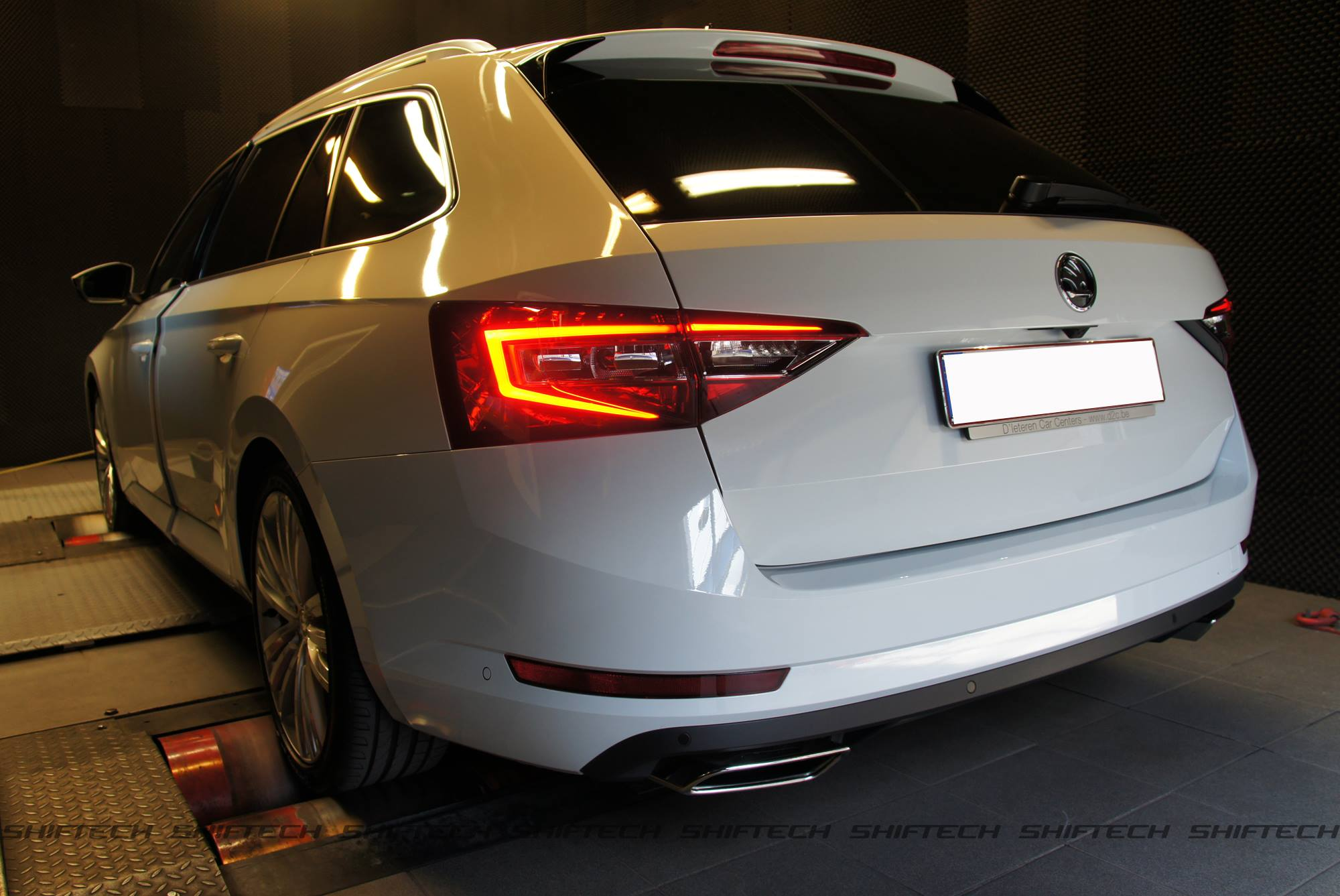 is a tuned skoda superb with 353 hp as cool as the audi s4. Black Bedroom Furniture Sets. Home Design Ideas