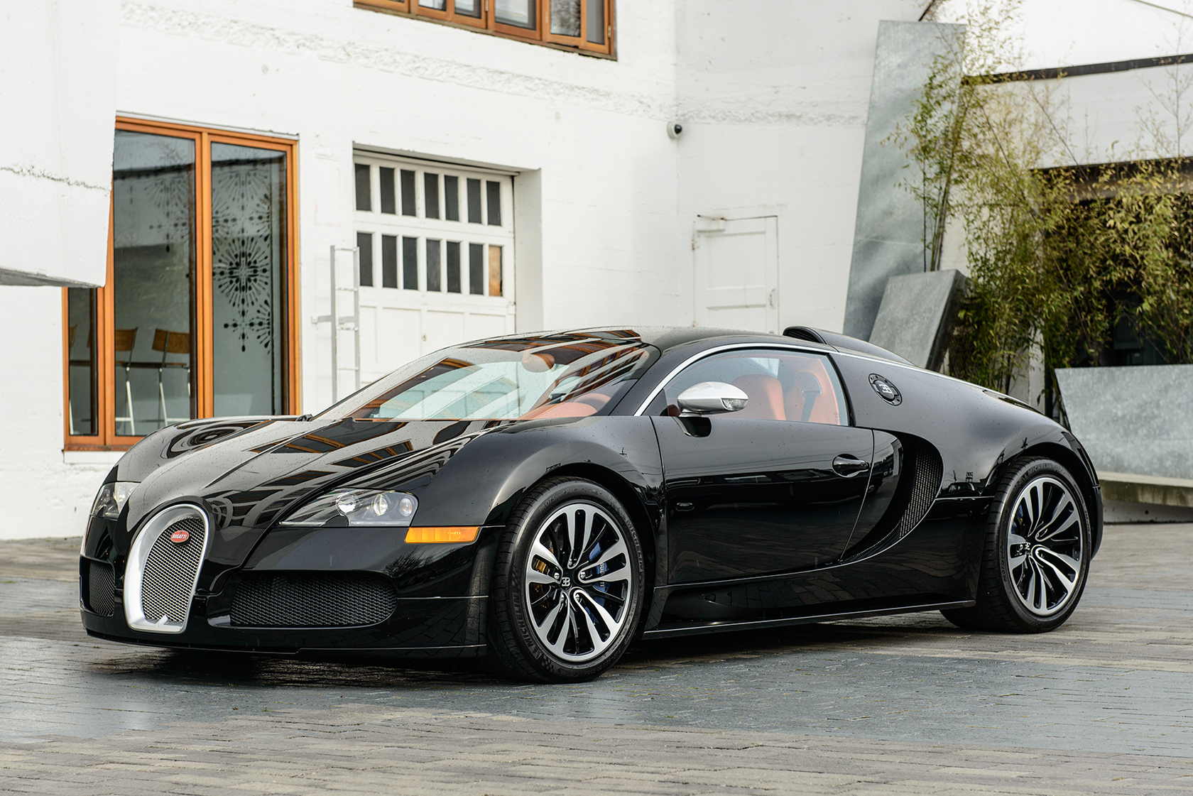 Drakeu0027s Bugatti Veyron Sang Noir Drakeu0027s Bugatti Veyron Sang ...