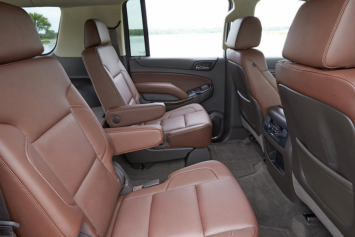 Is the 2015 Chevrolet Suburban the Unsung Hero of Family Road Trips