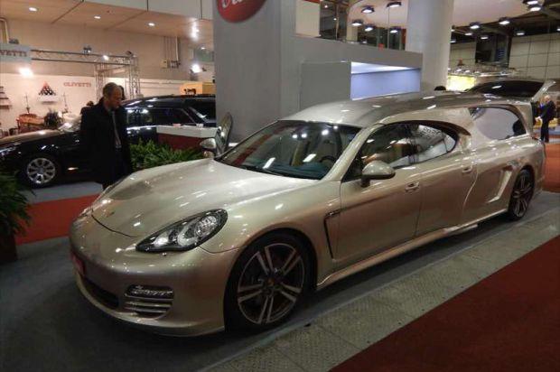Is This a Porsche Panamera Hearse? - autoevolution