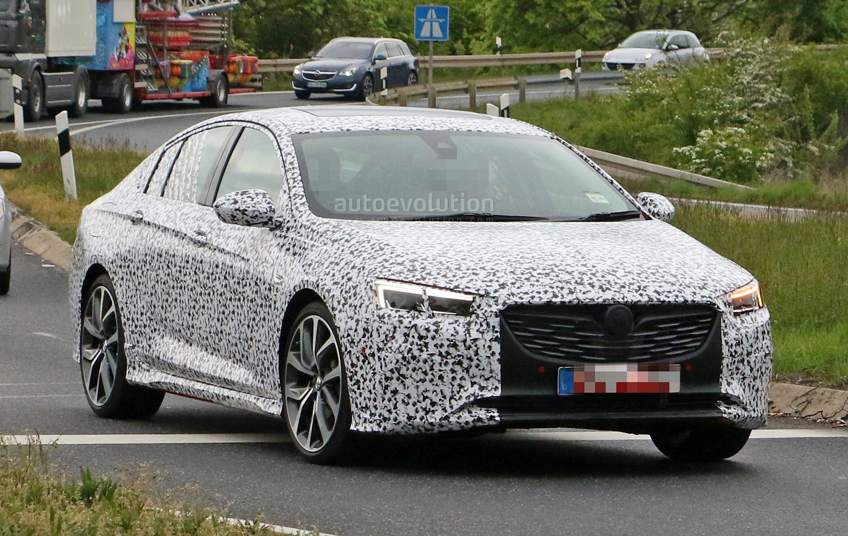 is this the all new opel insignia opc vxr undergoing testing autoevolution. Black Bedroom Furniture Sets. Home Design Ideas