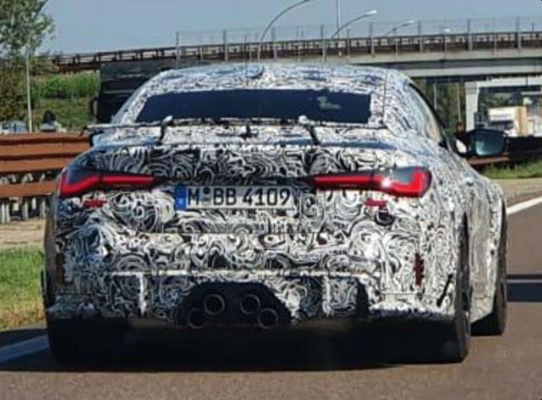 """Is This the BMW M5 CSL? Prototype Shows Crazy """"VGA"""" Exhaust"""