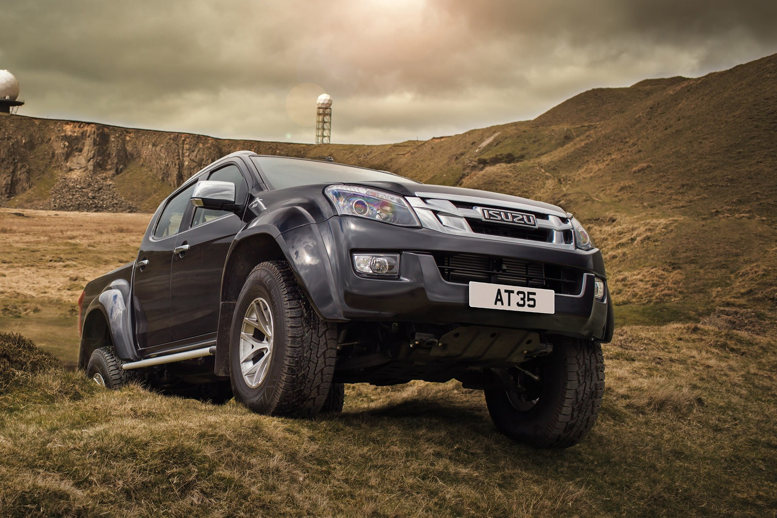 Range Rover Pickup >> Isuzu Teams Up with Arctic Trucks for Ultimate D-Max - autoevolution