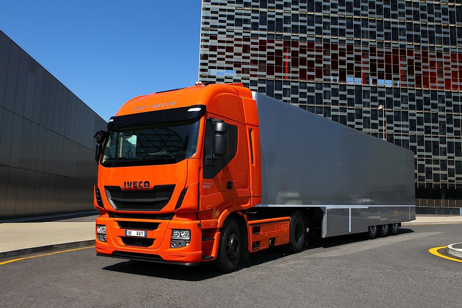Iveco Stralis Hi Way Launched Autoevolution