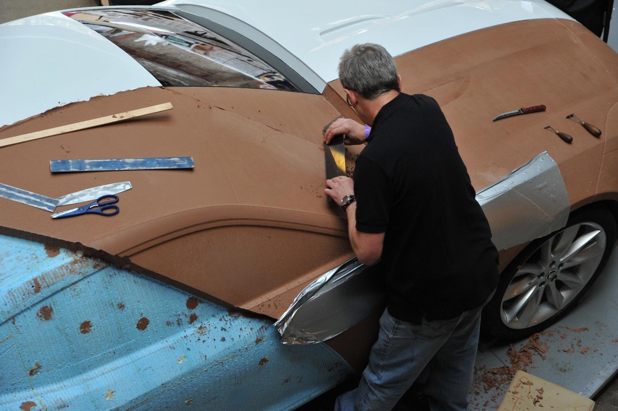 Jaguar Xj220 For Sale >> Jaguar Reveals Real Scale C-X16 Clay Model - autoevolution