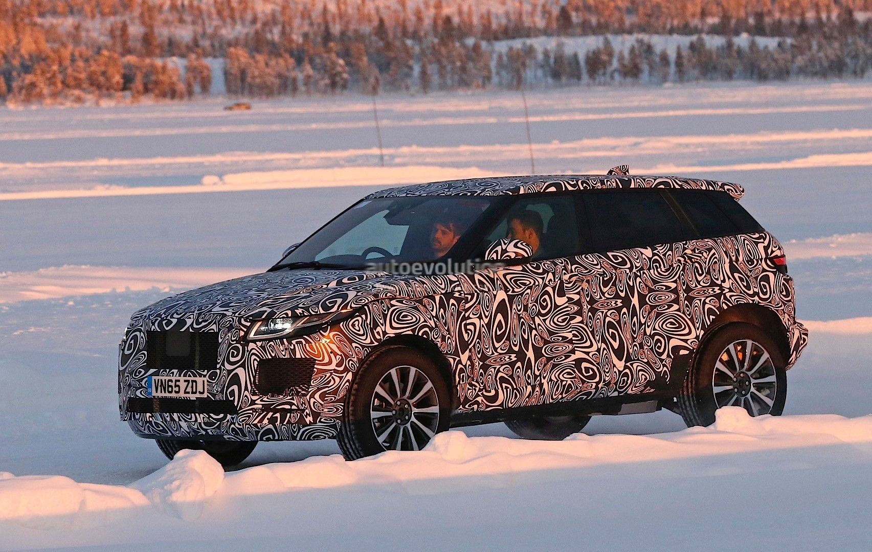 Jaguar E-Pace SUV Spied Wearing Range Rover Evoque Sheet ...