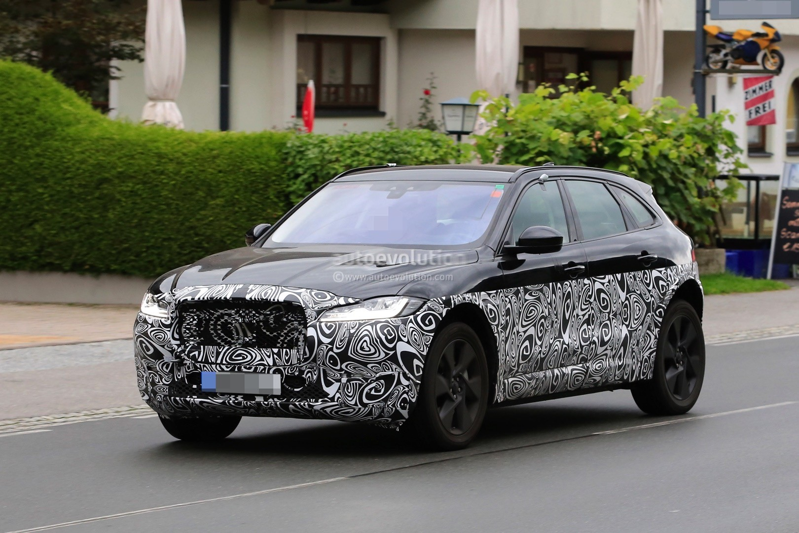 Jaguar Electric Suv Spied F Pace Design Cues Galore