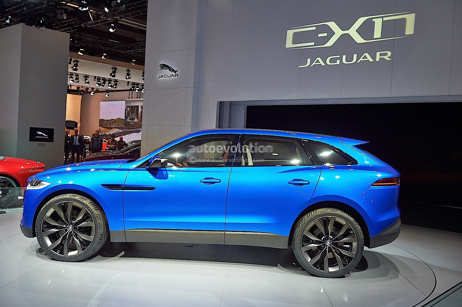 Jaguar F-PACE: Perform...