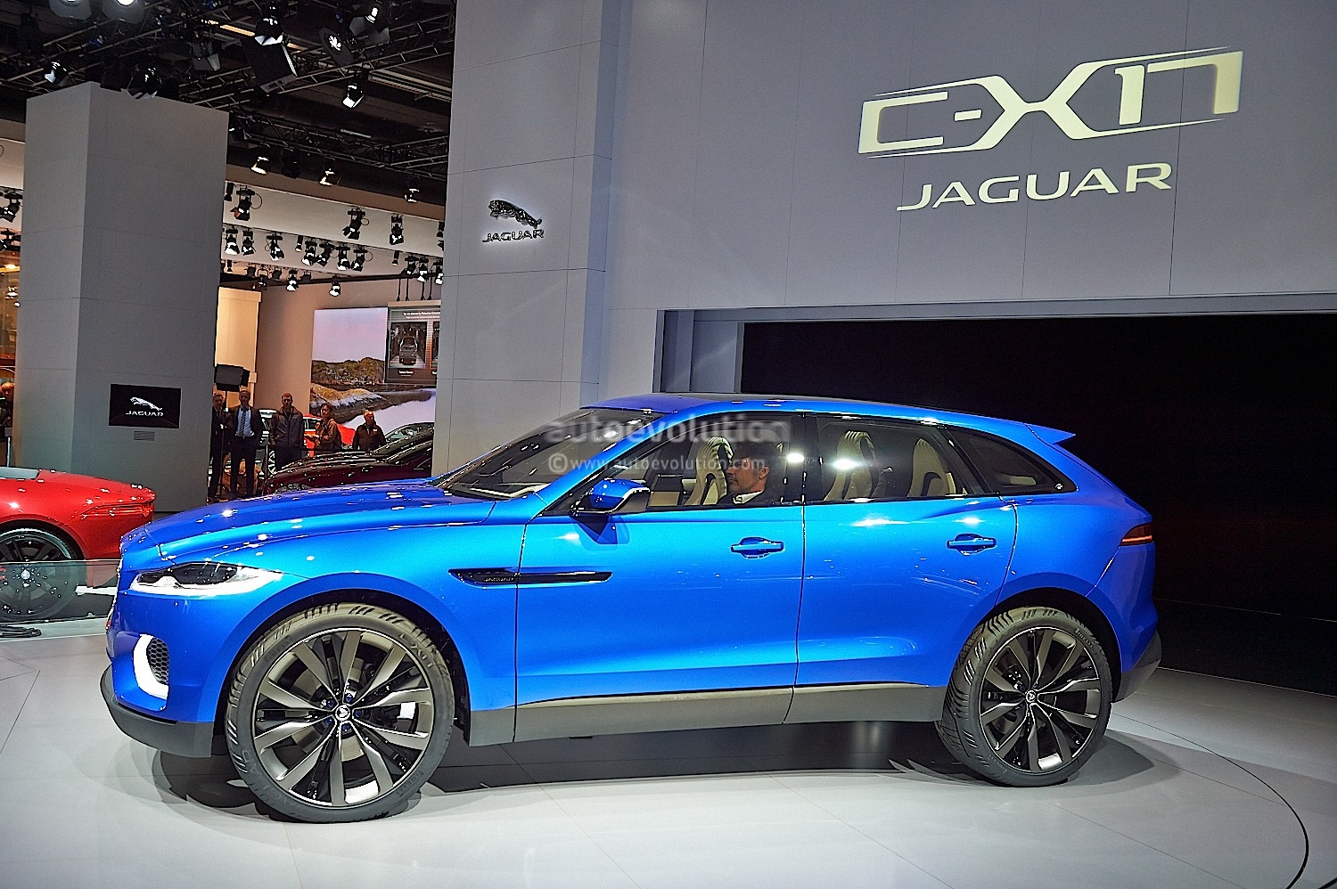 Jaguar F-PACE: Performance Crossover Name Revealed in Detroit, to Debut in 2016 - autoevolution