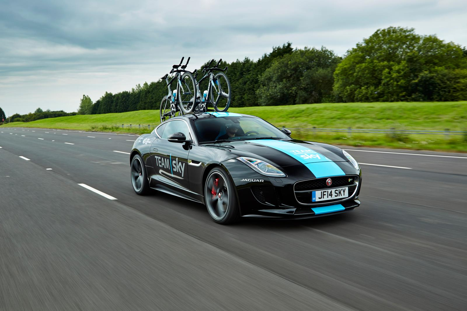 Trunk Mount Bike Rack >> Jaguar F-Type Gets Carbon Fiber Bike Rack for Tour de France [Video] - autoevolution