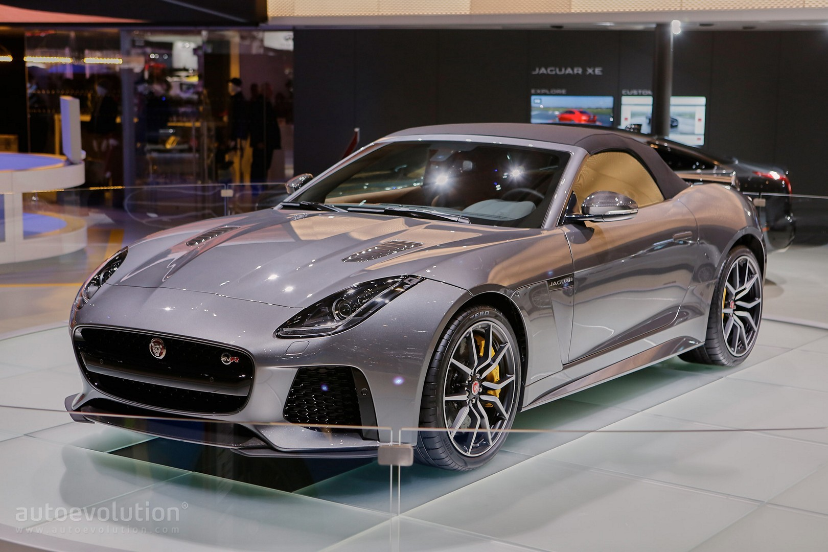 jaguar f type svr coupe and convertible show the true. Black Bedroom Furniture Sets. Home Design Ideas