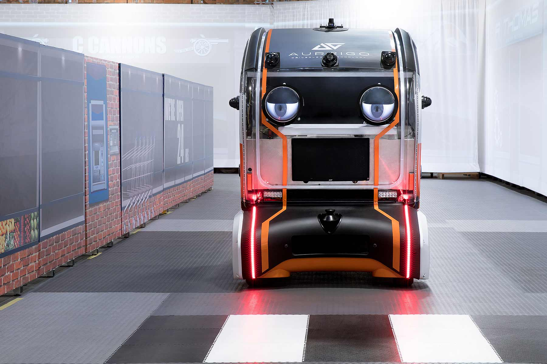 Jaguar Land Rover Puts Eyes on Driverless Pods to Build ... - photo#33